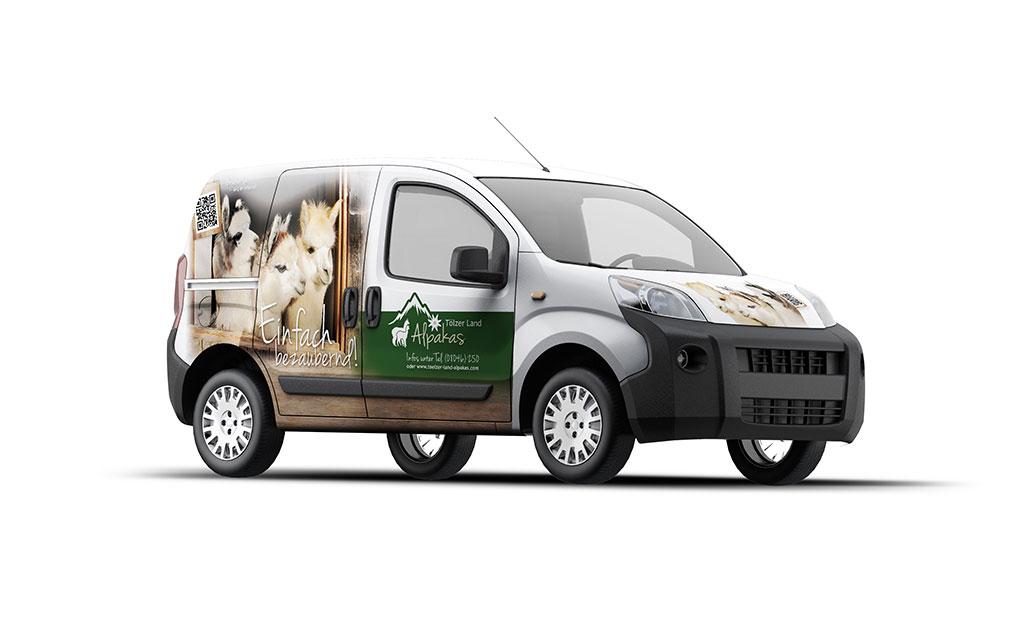 Car-Wrapping für Alpakas - Tölzer Land